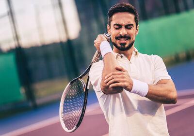 tenista-con-lesion-en-el-codo